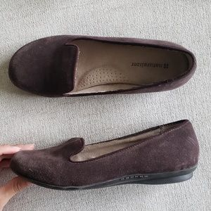Naturalizer slip on brown loafers black soles